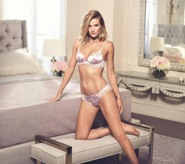 Rosie Huntington .16.45